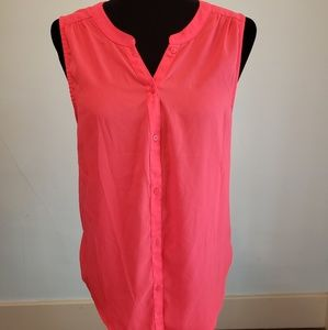 Sz L sleeveless bright pink button top